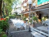 monique-hotel-cervia_giardino_022